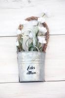 Vintage bádog vödrös, mezei virágos ajtódísz 18x9cm fehér