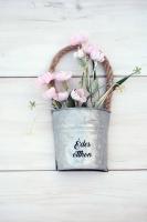 Vintage bádog vödrös, mezei virágos ajtódísz 18x9cm rózsaszín