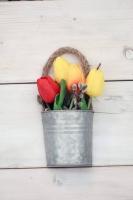Vintage bádog vödrös, vegyes tulipános ajtódísz 18x9cm