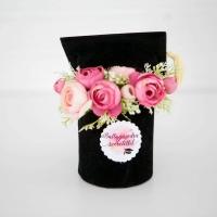 Diplomaosztó sapka ballagóknak pink boglárkával 17x14 cm