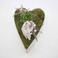 Kegyeleti dísz szív alakú tálban 22x6cm