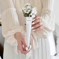 Mezei virágos fehér fémtölcsér, ballagásra