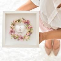 Szeretetkoszorú 3D képkeretben Balerina szívvel, 25x25 cm púder