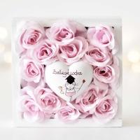 Halvány rózsaszín rózsa ballagási szívvel
