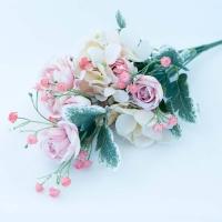 Vegyes csokor(boglárka,rózsa,hortenzia) 45 cm