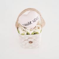 Bézs natur lenvászon kistáska fehér minirózsával, Tanár néni 11x6 cm púder szívvel