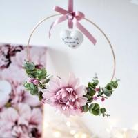 Virággyűrű díszdobozzal