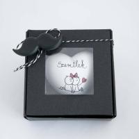 Valentin napi szív ajándék dobozban bajszos 9x9x3,5cm