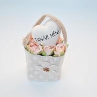 Bézs natur lenvászon kistáska barack minirózsával,szívvel Tanár néni 11x6 cm Jelenleg a terméket fehér mini rózsával tudjuk küldeni.